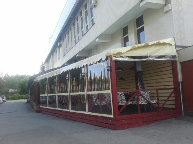 М'які вікна для кафе