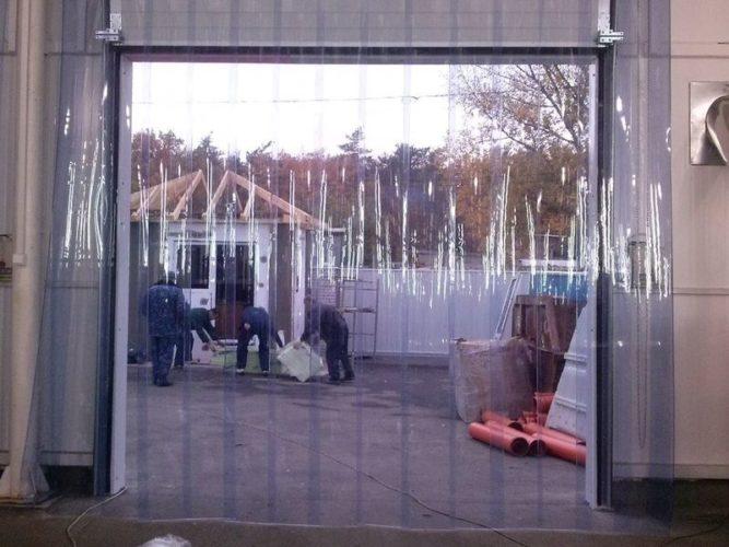 ПВХ завесы для складов и промышленных помещений